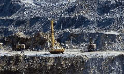 <b>「免费一天赚200」黑色金属矿采选|河北某铁矿开</b>